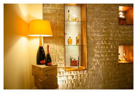 lume-bottiglia-enoteca-agapein