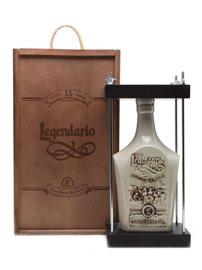 11160 0 705x940 - Rum Legendario Anejo Gran Reserva 15 anni